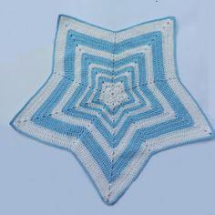 """El mundo de los Amigurumis : Mantita de apego """"Osito Dormilón"""" Crochet Security Blanket, Crochet Ripple Blanket, Crochet Blanket Patterns, Diy Crafts Knitting, Diy Crafts Crochet, Crochet Projects, Easter Crochet Patterns, Crochet Beanie Pattern, Crochet Baby Toys"""