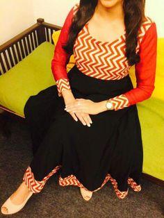 Different types of kurtis designs - Easy Craft Ideas Salwar Neck Designs, Churidar Designs, Blouse Designs, Salwar Pattern, Kurti Patterns, Kalamkari Dresses, Kurti Designs Party Wear, Indian Designer Wear, Indian Wear