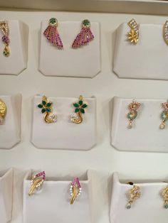 Gold Wedding Jewelry, Gold Jewelry Simple, Gold Rings Jewelry, Jewelry Design Earrings, Gold Earrings Designs, Gold Jewellery, Gold Earrings For Kids, Baby Earrings, Simple Earrings