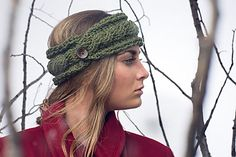 Learn cable techniques while whipping up this one-skein ear warmer. You'll wonder how you managed on a cold day without it!