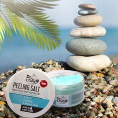 Dr.  C. Tuna Peeling A sóval végzett tengeri felvételek most a kezeid és lábaink 🌊.  Míg a sót lehántva és a bőrt megtisztítja az elhalt bőrről, hidratálja a bőrt a Jojoba olajjal és a Sweet Almond olajjal.  #farmasi #seasalt #drcevdettu #peeling #seasaltpeeling #skincare #making #makeup #bloggoneholding #spa #farmasiofficial