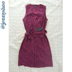 {tommy hilfiger} houndstooth dress Brand new with tags tommy hilfiger hot pink and dark navy houndstooth dress that is buttonup with a waist tie belt.  Perfect for work paired with a cardigan or wear casually as a sleeveless dress.  Size xs Tommy Hilfiger Dresses
