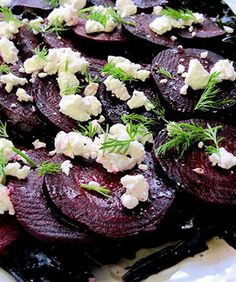 Get Roasted Beet Salad with Walnuts and Goat Cheese Recipe from Food Network Beet Recipes, Vegetarian Recipes, Cooking Recipes, Healthy Recipes, Cooking Tips, Healthy Food, Healthy Eating, Beet And Goat Cheese, Goat Cheese Salad