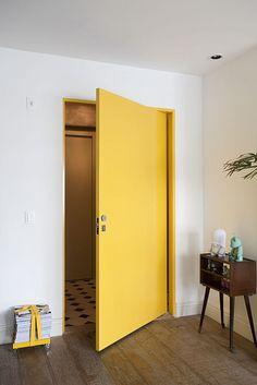 Porta Amarela by Arquitetura Paralela, via Flickr