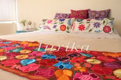 Pie de cama bordado mexicano. Modelo 12