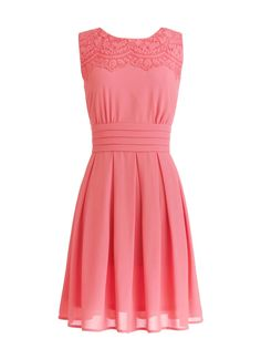 Dressystar Short Prom Party Bridesmaid Gowns with Appliques Neckline Size 2 Coral