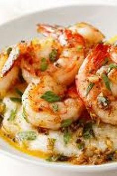 Low Country Shrimp and Roasted Garlic Grits