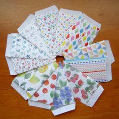 ダイソーの可愛い折り紙でポチ袋を作りました!ポチ袋以外にもラッピング全般に大活躍しそうです。...