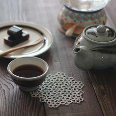Chinese tea, 普洱茶 올해 첫 보이차. 홍차는 아가씨같은 느낌이고 보이차는 상남자의 느낌이야. 내가 홍차는 옅게 마시고 보이차는 진하게…