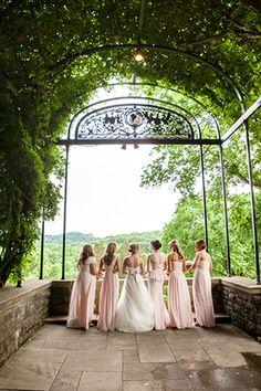 9 Tips to Help You Stay Sane While Wedding Planning Botanical Gardens Wedding, Garden Wedding, Wedding Advice, Wedding Planning, Nashville Wedding Venues, Southern Bride, Free Wedding, Wedding Gold, Wedding Cake