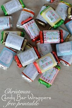 Printable Christmas candy bar wrappers. Such a fun idea for a gift or party snack