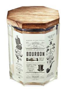 Quoi offrir aux hommes de notre vie à Noël? Un kit de survie pour faire du gin maison, une bougie qui sent bon le bourbon, des accessoires mode, beauté ou des outils pour la cuisine... Voici nos idées pour lui.