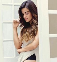 Maite Perroni so beautiful … Cute Hairstyles, Braided Hairstyles, Divas, Mexican Actress, Corte Y Color, Crazy Hair, Female Stars, Lany, About Hair