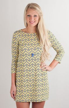 You will be a golden goddess in this simple printed tunic by Hourglass Lilly! Gorgeous white, yellow, and navy combine to make an updated, modern look just for you!