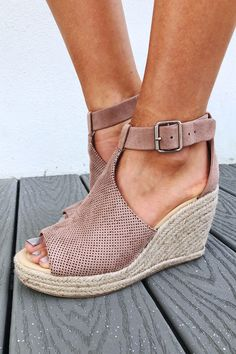 Share to save 10% on your order instantly! Live It Up Wedges: Dusty Mauve