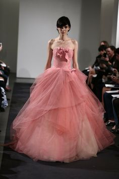 Vestidos de novia 2014 Vera Wang en colores - Boda Hoy