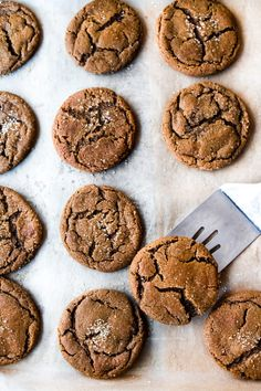 Spicy Chai Molasses Cookies are soft and chewy on the inside, crispy on the outside! Seasoned with chai spices, these take old-fashioned Molasses Cookies to another level. These require 2 hours refrigeration time. Fall Baking, Holiday Baking, Christmas Baking, Baking Recipes, Cookie Recipes, Dessert Recipes, Chai Cookies Recipe, Ginger Cookies, Baking Tips