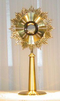 adoration of the blessed sacrament - Bing Images Nun Catholic, Catholic Mass, Catholic Religion, Roman Catholic, Adoration Catholic, Catechist, Religious Education, Sacred Heart, Faith