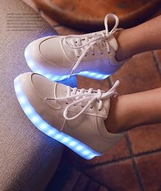 Korea fashion couples LED colorful fluorescent USB charging light shoes
