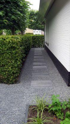Garden design ideas & pictures l homify Brick Garden, Garden Paving, Garden Paths, Side Yard Landscaping, Modern Landscaping, Landscape Design, Garden Design, Garden Deco, Backyard Paradise