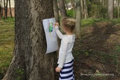 Have you ever used a tree as an easel? Teach Preschool, Have You Ever, Easel, Picnic Blanket, Teaching, Children, Montessori, Trees, Art