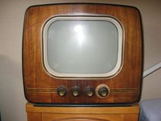 Television Set, Tv Sets, Record Players, Vintage Tv, Box Tv, Tv On The Radio, Tvs, Art Deco, Retro