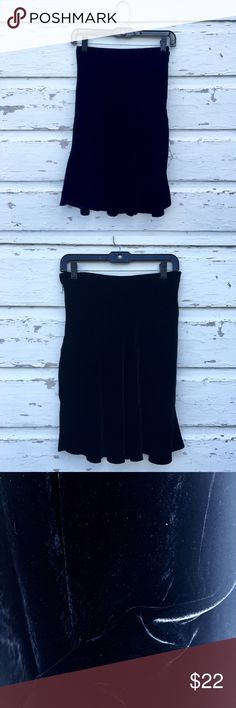Black Velvet Skirt Black velvet skirt tracing just above the knee. Fitted on top, flares and flows towards bottom. Fits like a M (8/10).🌙 Urban Outfitters Skirts Mini