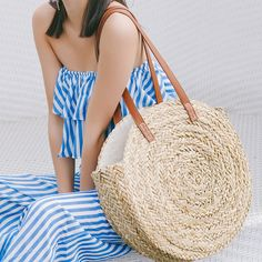 Cheap Shoulder Bags, Buy Directly from China Moroccan Palm Basket Bag Women Hand Woven Round Straw Bags Natural Oval Beach Bag Big Tote Circle Handbag dropshipping New Style Bags, Woven Beach Bags, Round Straw Bag, Bikinis Crochet, Vintage Inspiriert, Big Shoulders, Straw Handbags, Straw Tote, Basket Bag