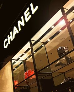 Chanel storefront Chicago