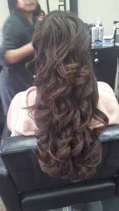 Loose curls - long hair style