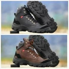 Sepatu Boots Kickers Safety Ujung Besi Tracking Adventure Touring