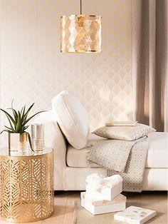 Gold Openwork Metal Pendant Light on Maisons du Monde. Take your pick from our furniture and accessories and be inspired! Glass Side Tables, Metal Side Table, Gold Interior, Interior And Exterior, Interior Design, Sala Vintage, Playroom Decor, Home Decor Trends, Interior Inspiration