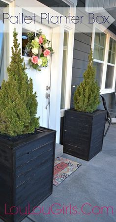 Lou Lou Girls : DIY Massive Planter Boxes made from Pallets!!