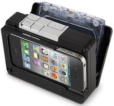 iPhoneとカセットを装着してデジタル音源化する『Cassette To iPod Converter』