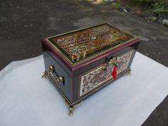 Шкатулка ручной работы в стиле Буль. Авторская работа. http://vk.com/marquetry_souvenirs