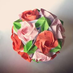 Evi roses kusudama 20 pc  pink red green leaves by PrwOrigami