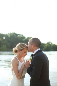 Wedding at The Boathouse at Rocketts Landing // jenandashleyblog.com