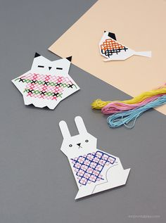 Animal Jumpers Cross Stitch Cards for Kids / free printable templates at Mr Printables