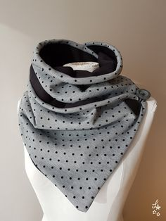 To be hot - Sandra's Creations - scarf Snood Scarf, Diy Scarf, Diy Couture, Couture Sewing, Crochet Clothes, Diy Clothes, Sewing Accessories, Fashion Accessories, Lined Jeans