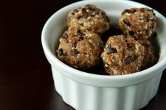 Maca Chip Raw Energy Balls 1/2 cup (packed) pitted dried dates (12 dates) 1/4 cup cashews 1/4 cup almonds 1/4 cup rolled oats (I used the quick-cooking oats without problems) 2 tablespoons raw maca powder 1 tbsp vanilla 1 tbsp agave nectar 1/4 tsp sea salt 1 tbsp raw cacao nibs