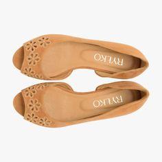 I1L03_H_ _VR1   Ryłko Slip On, Adidas, Sandals, Shoes, Fashion, Slide Sandals, Moda, Shoes Sandals, Zapatos