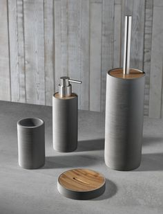 TFT Home Furniture   PL4042-C-DBROWN   Sets of bath accessories polyresin and bamboo ' Bali gray