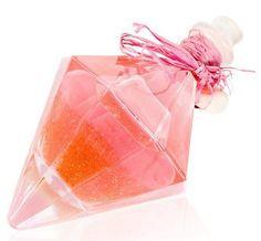 飲みすぎ注意! 魔法がかかったみたいにキラキラピンク色の「ウォッカ」がキュートすぎて危険な香り
