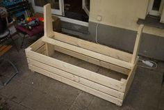 Excellent & Easy Garden Storage Bench : 16 Steps (with Pictures) - Instructables Garden Storage Bench, Bench With Storage, Diy Storage, Outdoor Furniture Plans, Pallet Sofa, Diy Deck, Easy Garden, Diy Woodworking, Backyard Landscaping