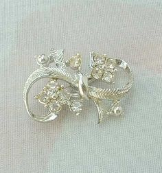Small Rhinestone Bow Pin Christmas Holiday Vintage Jewelry