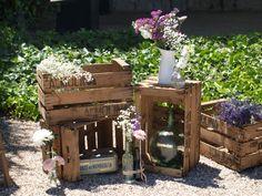 wooden crates. cajas de madera. decoración. www.yourbox.bigcartel.com