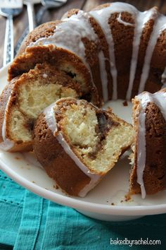 Cinnamon Streusel Coffee Bundt Cake Recipe from bakedbyrachel.com .... NOTICE THE PAN SIZE!