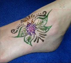 Ankel Henna Glitter Tattoo Glitter Henna, Glitter Tattoos, Glam And Glitter, Henna Designs, Tattoo Designs, Girl Tattoos, Tatoos, Traditional Henna, White Henna