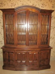 Ethan Allen Classic Manor Maple Lighted Grilled Glass China Hutch 15 6018 | eBay
