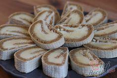 Nepečená oplatková roláda s kokosovo karamelovou náplní   NejRecept.cz Snacks Für Party, Camembert Cheese, Nutella, Biscuit, Cheesecake, Stuffed Mushrooms, Veggies, Fruit, Food